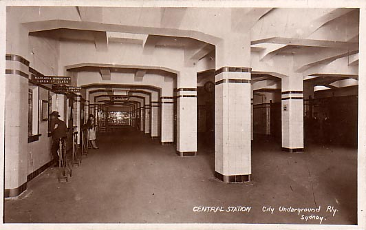 Central Electric Platforms Ticket Office c1926.